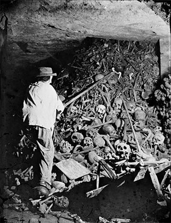 Catacombs of Paris - Photos from History That Will Give You Nightmares