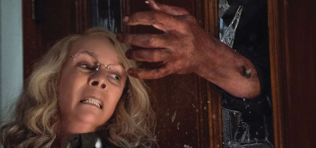 Laurie Strode Looks Thrashed in Halloween Kills! - Horror Land - Horror News
